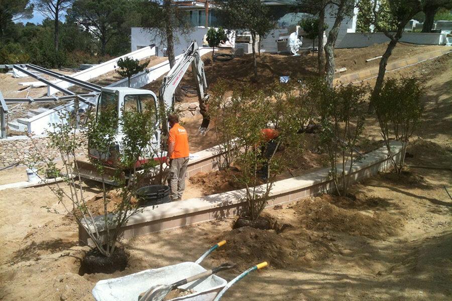 Excavacions font servei de treballs de jardineria