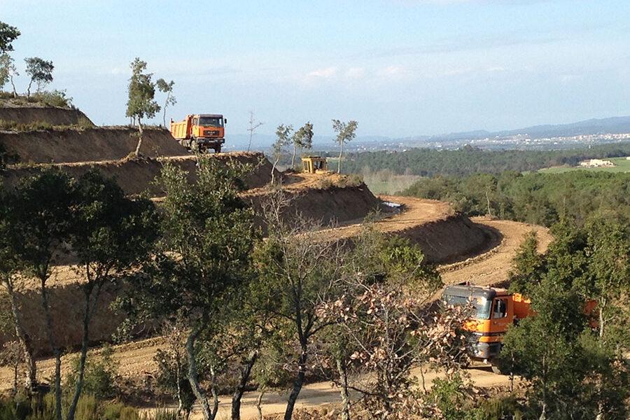 Excavacions font servei de treballs forestals